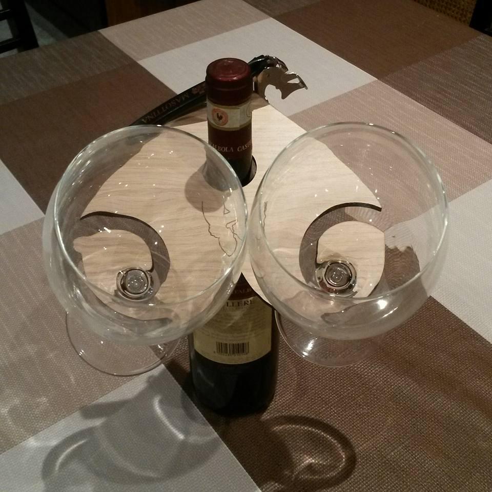 Cuore porta bicchieri porta calici 2 posti tirabusci for Bicchieri in legno
